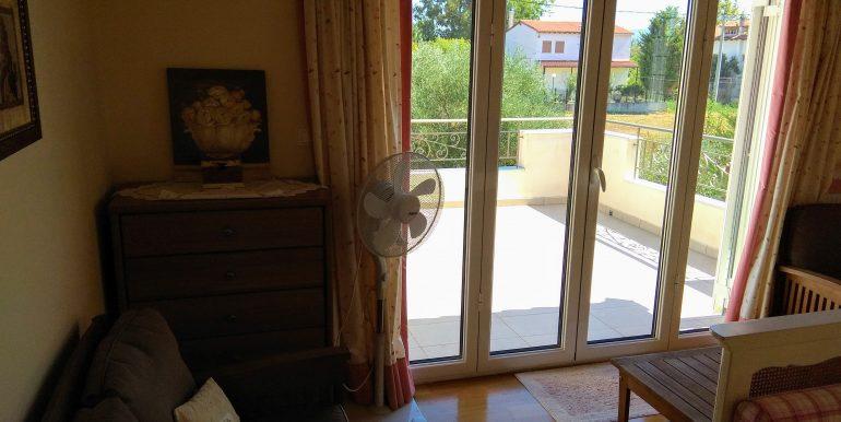 Κρεβατοκάμαρα 2 Όροφος (βεράντα)
