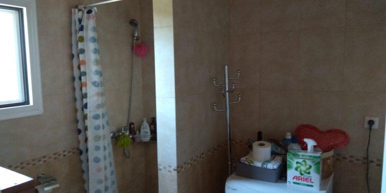 Μπάνιο Όροφος